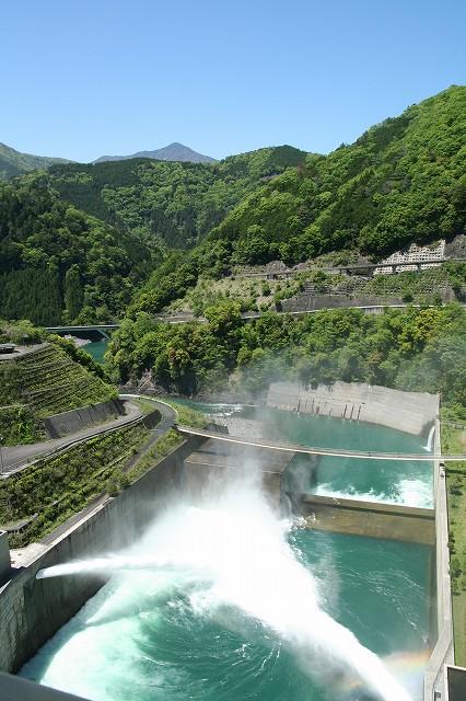 水の恵み体感ツアー 植栽体験&ダム周辺で遊び学ぼう!